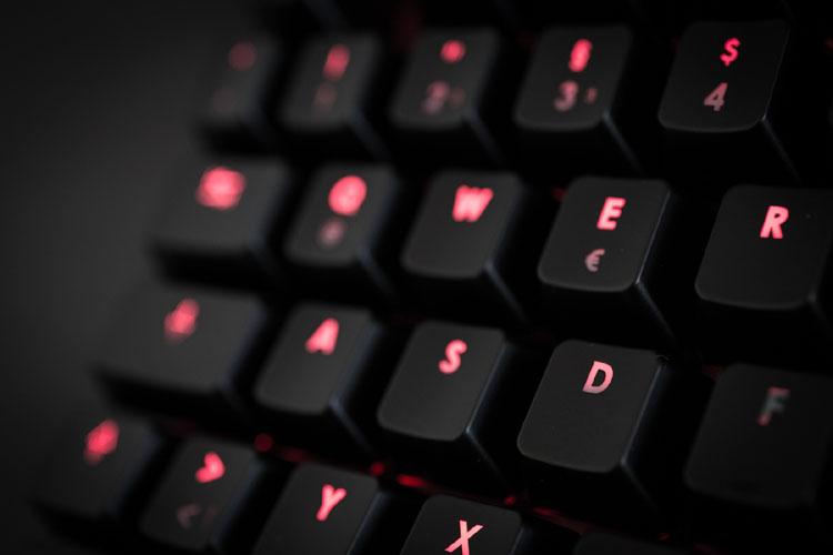corsair k70 gaming keyboard