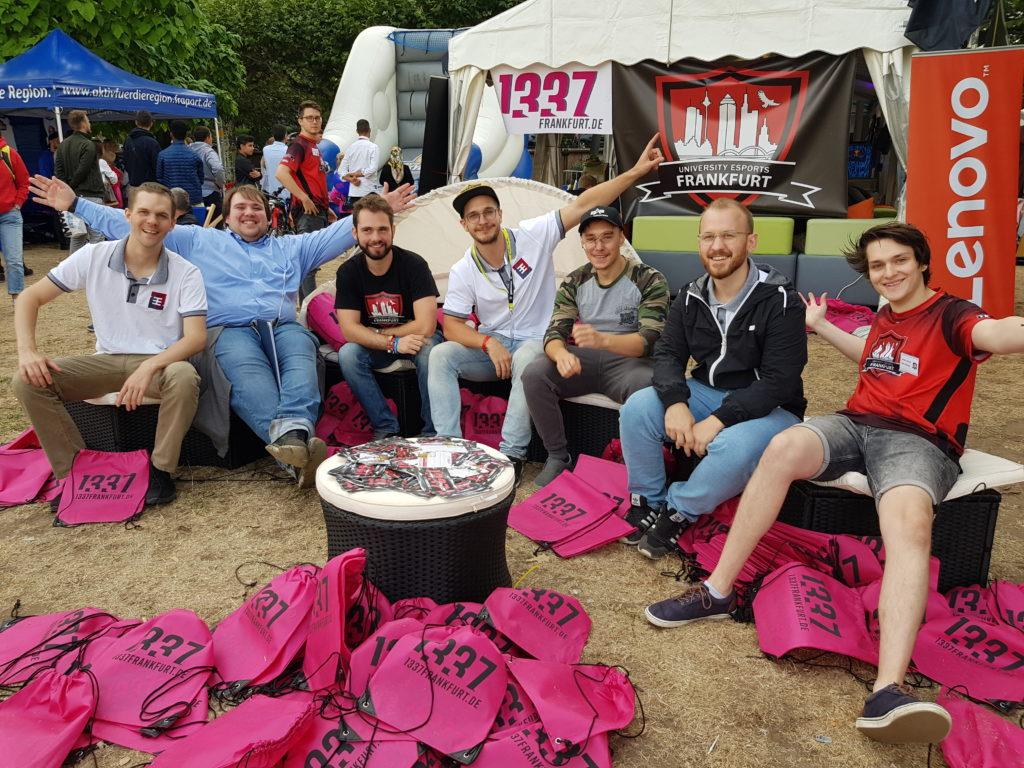 Community Treffen für 1337 Frankfurt auf dem Museumsuferfest